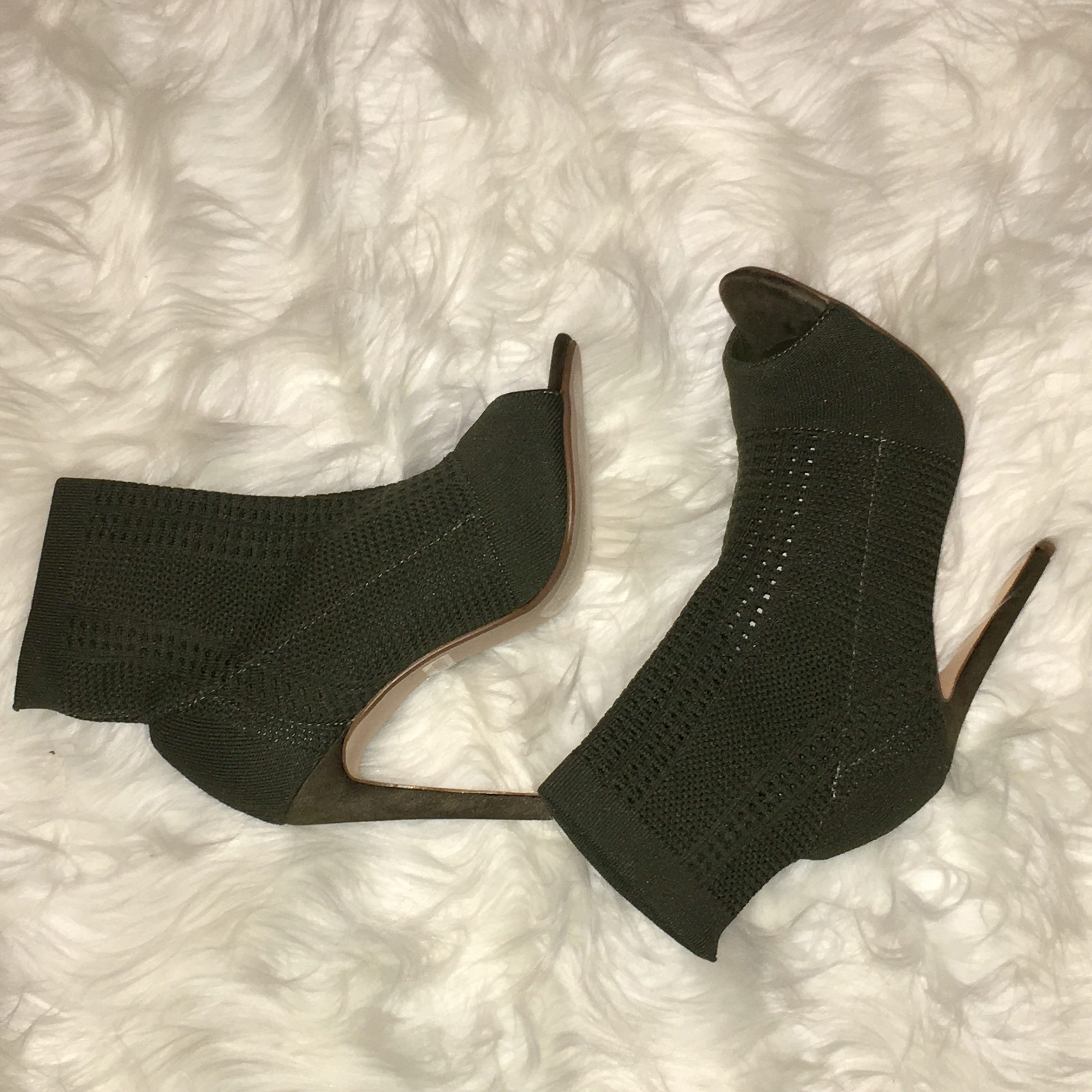Another Pair of Shoes Cape Robbin Elane